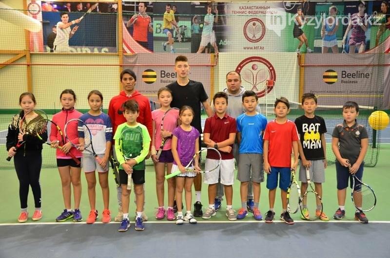 Самый молодой теннисист Казахстана провел мастер-класс в Кызылорде, фото-1