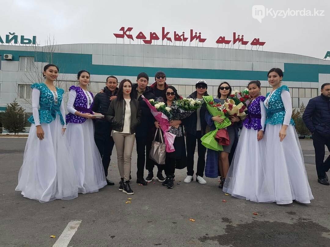 Кайрата Нуртаса и его жену в Кызылорде встретили как звезд мировой величины, фото-1