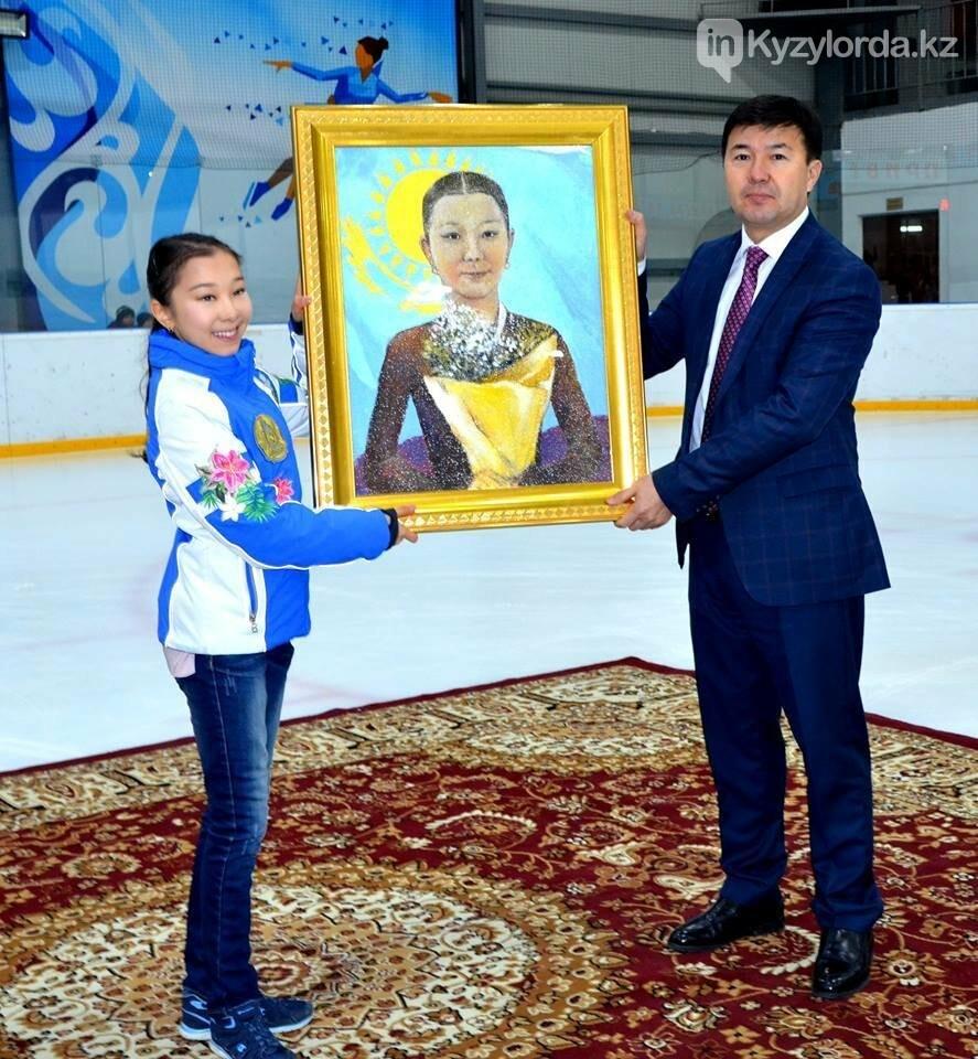 В Кызылорде Элизабет Турсынбаевой подарили портрет из риса, фото-1