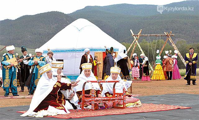 На какие праздники казахстанцы получат дополнительный выходной в 2018 году, фото-1